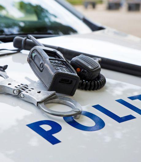 Twee arrestaties na inval in drugspand Axel
