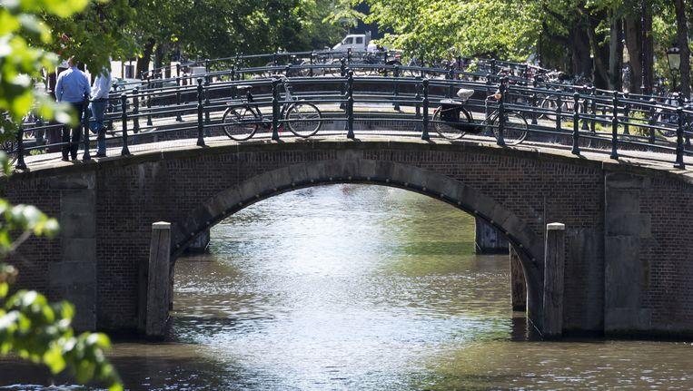Amsterdam telt in totaal 1680 bruggen. Beeld anp