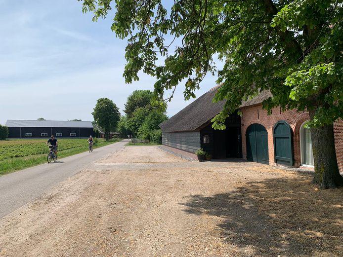 Brouwerij de Pimpelmeesch zit nu nog in de terrasboerderij Bij Toontje Schoen aan de Ginderdoorstraat in Chaam.