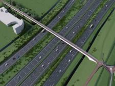 Rijbanen A4 dicht door werkzaamheden aan fietsbrug tussen Ypenburg en Haagse binnenstad