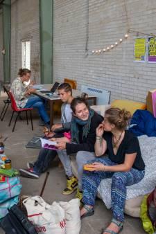 Studenten bezetten industriepand op Nude 2 in Wageningen als protest tegen woningnood