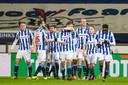 Spelers van Heerenveen vieren de 2-0.