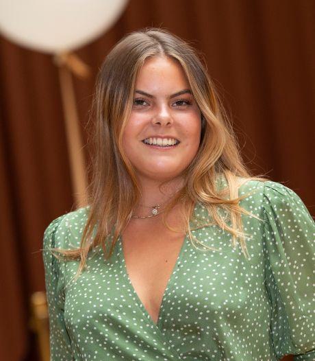 Gravinfluencer Eloise verkoopt gratis gekregen tasjes door: 'Echt Hollands!'