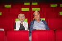 Nel en Sas de Koeijer in de filmzaal van Podium 't Beest in Goes.