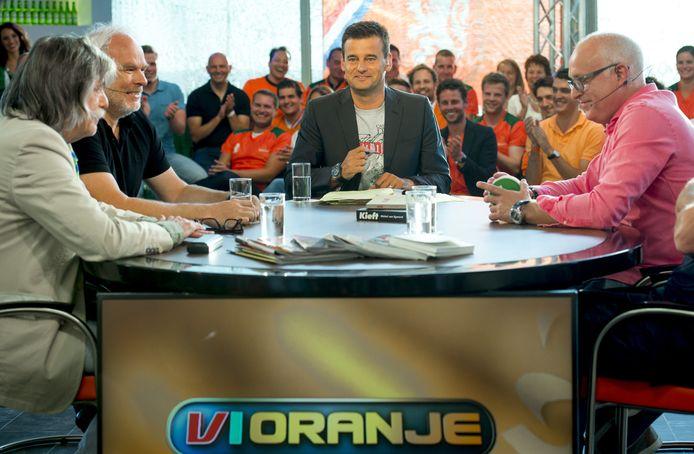 Nico Dijkshoorn en Johan Derksen samen bij VI Oranje, jaren geleden