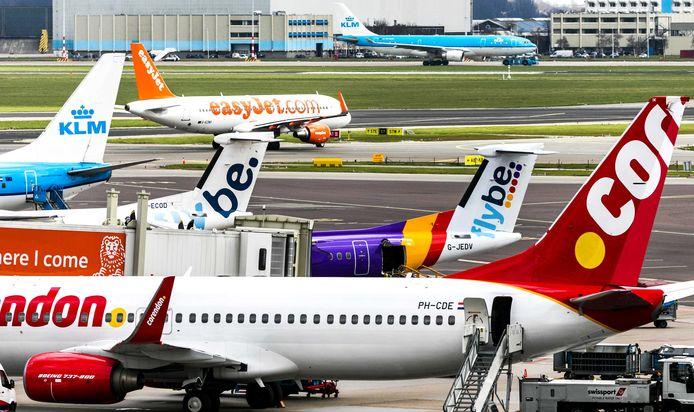 Vakantievliegers Corendon, TUI en easyJet hadden de luchthaven voor de rechter gesleept omdat die weigerde onbenutte tijdslots voor vluchten over te hevelen naar het drukke zomerseizoen.