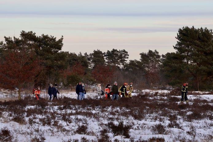 De brandweer, politie en de Duitse ambulancedienst zijn zondagmiddag uitgerukt voor een ongeval op het ijs aan de Bergvennenweg in Lattrop-Breklenkamp.