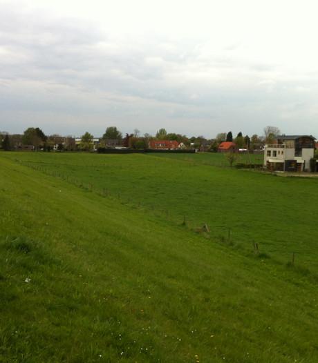 Buurt: 'Bouwplan Oosterhout de prullenbak in'