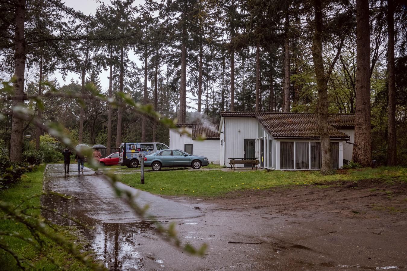 Op vakantiepark 't Reggehuus in Ommen wonen veel Poolse arbeidsmigranten, veel van hen zijn niet bij de gemeente ingeschreven. Niettemin wil de gemeente met zogenaamde tijdelijke wisselwoningen meer zicht krijgen op de seizoenwerkers.
