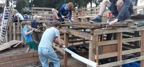 Hutten bouwen of niet? Kindervakantieweek in ieder dorp anders dit jaar