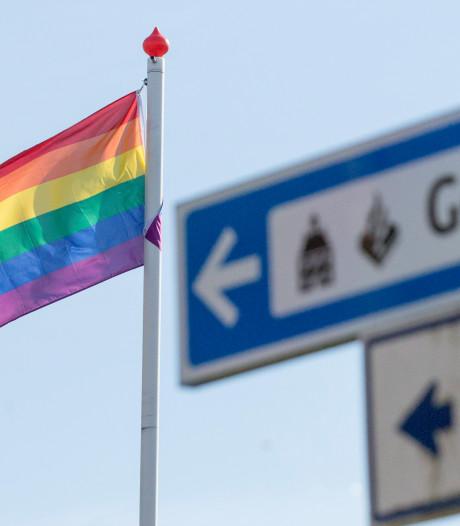 Gemeenten in Oost-Nederland hijsen de regenboogvlag (maar niet overal)