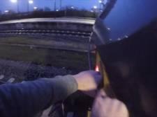 ProRail boos om treinsurfer: 'Ontoelaatbaar en illegaal'