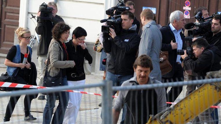 De ouders van Annick Van Uytsel komen aan bij het gerechtsgebouw. Beeld BELGA