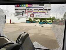 Twee aanhoudingen voor belagen bussen Almere