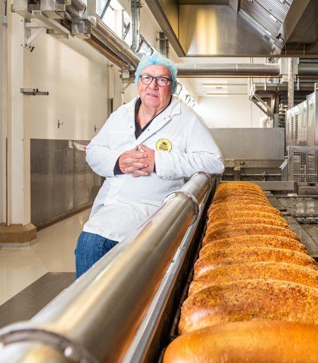 Deze bakker bakt 1,3 miljoen bolletjes per week voor heel Nederland en groeit uit zijn jasje
