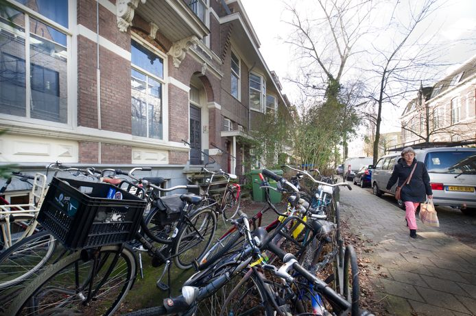Nijmegen: In Nijmegen-Oost wordt door bewoners geklikt over studentenpanden. FOTO: studentenpand aan de Dominicanenstraat.