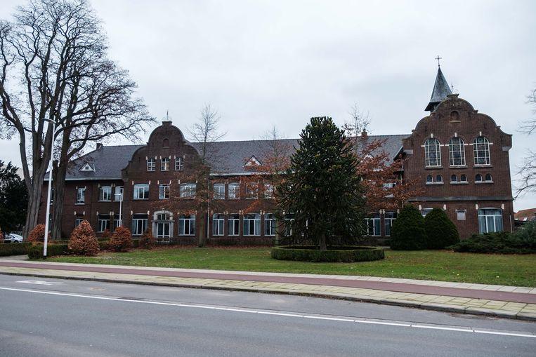 Het oude collegegebouw