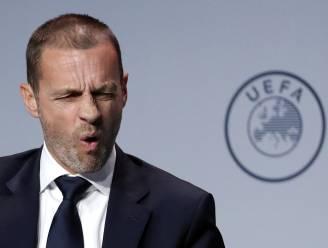 """""""Dit is de grootste crisis ooit in het voetbal"""", zegt UEFA-baas, die ook het 'fake news' hekelt"""