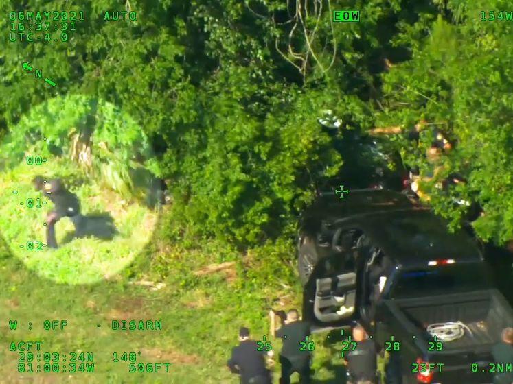 Man (33) steelt politieauto, wordt omsingeld door 12 agenten en steelt dan doodleuk nog eentje