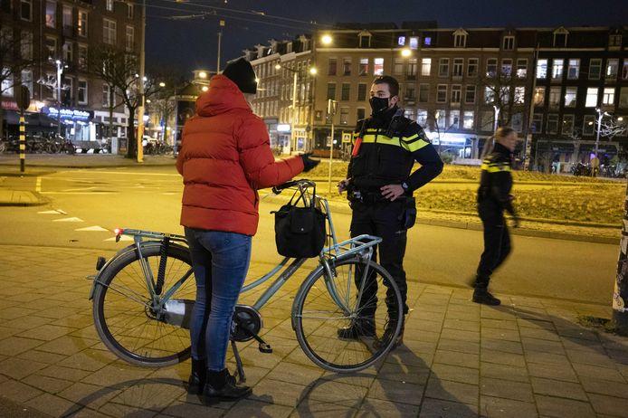 Avondklokcontroles in Amsterdam.