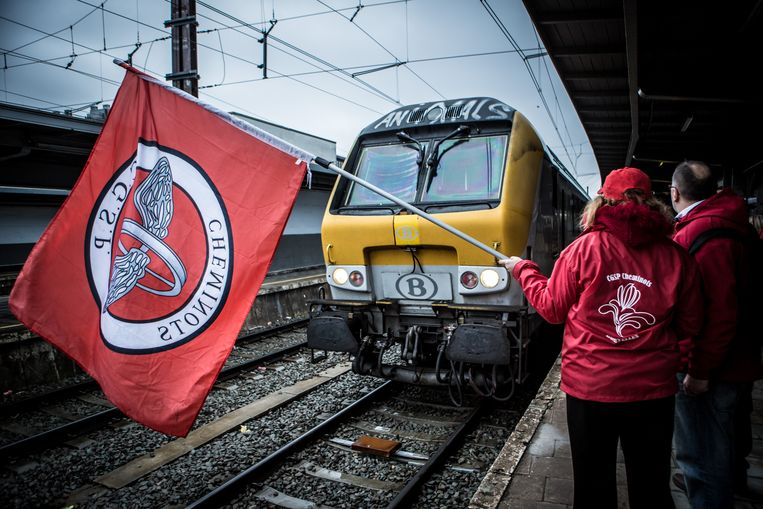 Op 9 en 10 oktober staakt de socialistische spoorbond tegen de minimale dienstverlening op het spoor. Beeld Jan Aelberts