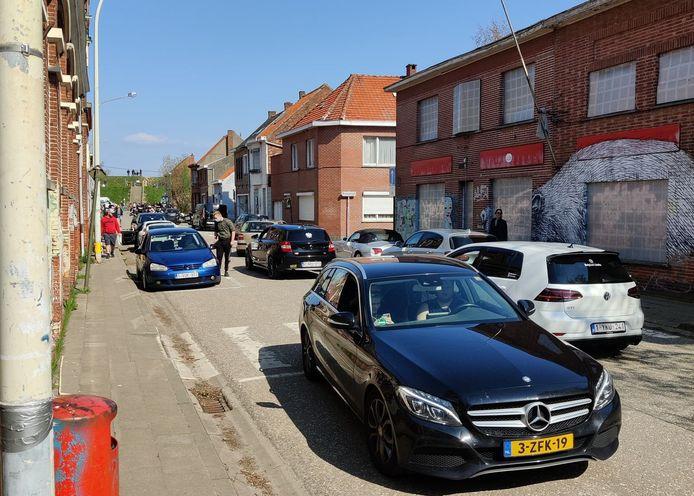 Een beeld van afgelopen zondag in Doel. De politie telde meer dan duizend bezoekers.