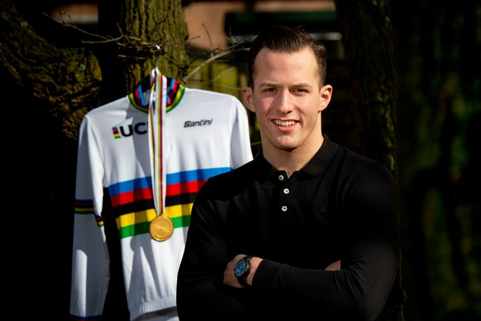 Wereldkampioen op de kilometer tijdrit Sam Ligtlee verkast naar de commerciële baanploeg van BEAT Cycling.