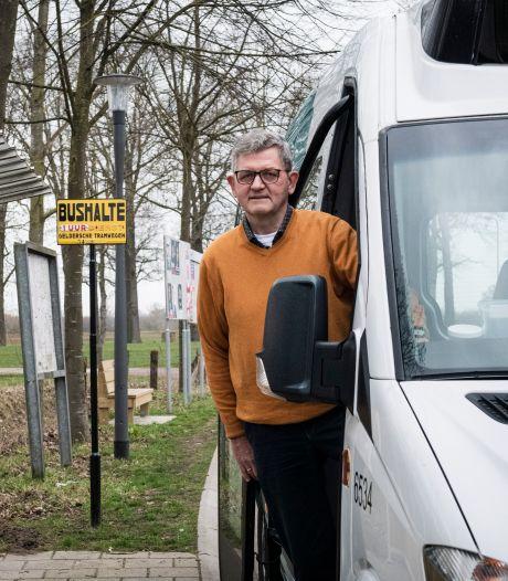 Na jaar stilstand mag buurtbus weer: 'Hoop dat mensen de weg terugvinden'