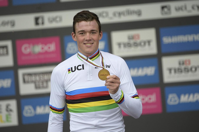 Mads Pedersen won vorig jaar de wegwedstrijd bij de mannen.