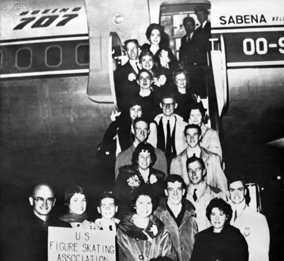 De volledige nationale kunstschaatsploeg van Amerika verongelukte in de crash van vlucht 548. Bij hun vertrek in New York werd het team nog gefotografeerd op de trappen van het Sabenavliegtuig. Het werd een foto voor de eeuwigheid.