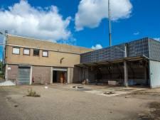 Krakers moeten weg uit voormalig gebouw waterschap in Weurt