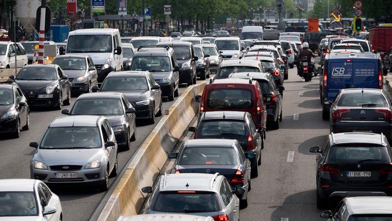 Wie Brussel in wil met een te vervuilende auto, zal een dagpas moeten aanschaffen.