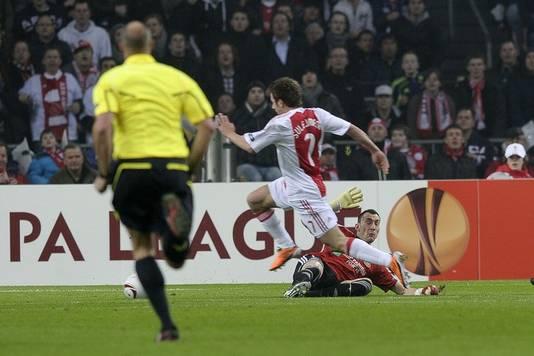 Sulejmani s'en va planter le deuxième. L'Ajax a tout plié en 5 minutes.
