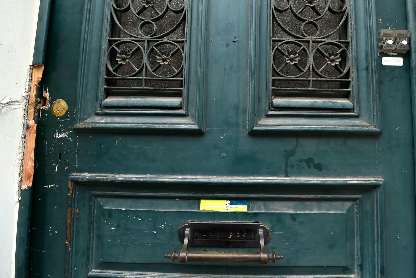 Een huis in de Gentse Holstraat werd in maart 2017 door Roma gekraakt. Het slot werd daarbij geforceerd.  De jonge eigenaars van de woning verbleven op dat moment in het buitenland en werden door buren ingelicht.