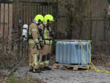 Brandweer controleert lekkend vat bij bouwspeeltuin Maeterlinckweg