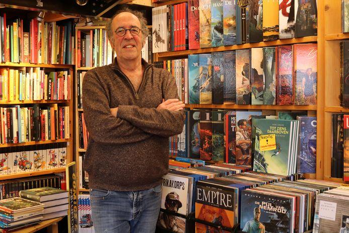 Paul van Dam heeft in 42 jaar tijd 45.000 stripboeken in zijn Stripwinkel Blunder verzameld.
