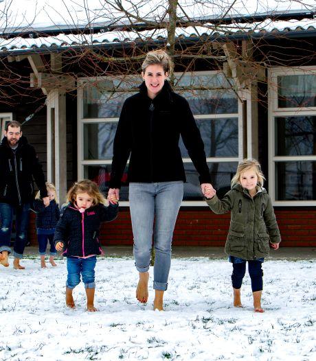 Ook elders peuters met blote voeten in de sneeuw: 'Deze ophef is zwaar overdreven'