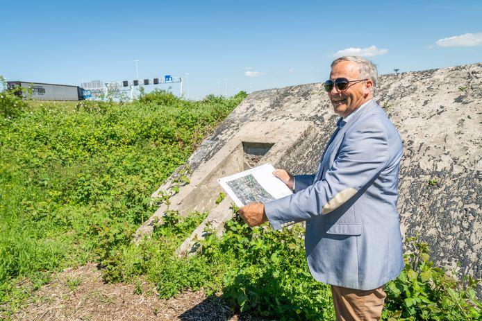 Adviseur Jan Luijten heeft een revolutionair, alternatief plan bedacht voor de verbreding van de A27 bij Amelisweerd: een 5 km lange tunnel tussen de A12 bij Fort Vechten en de A28 bij Zeist.