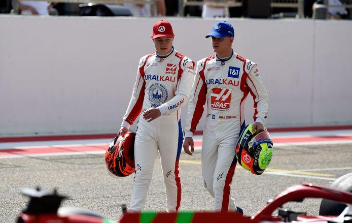 Mick Schumacher (r) samen met Nikita Mazepin.