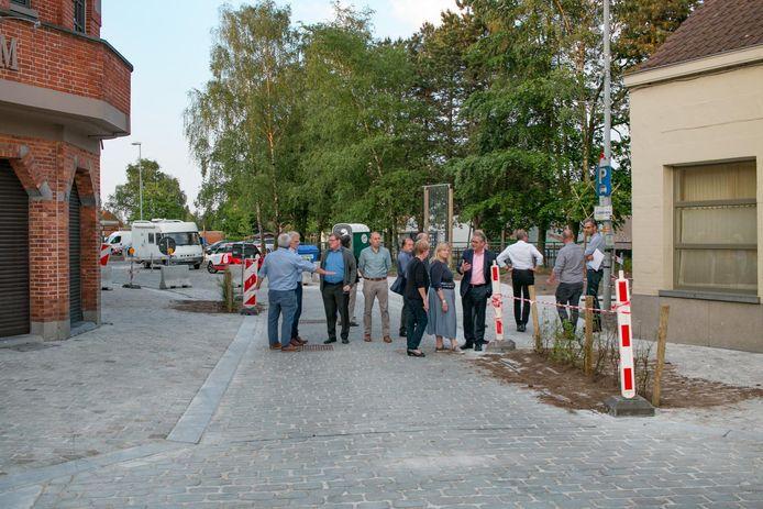 Over de wegversmalling tussen Dries en Vleeshouwersstraat zijn er nog opmerkingen.