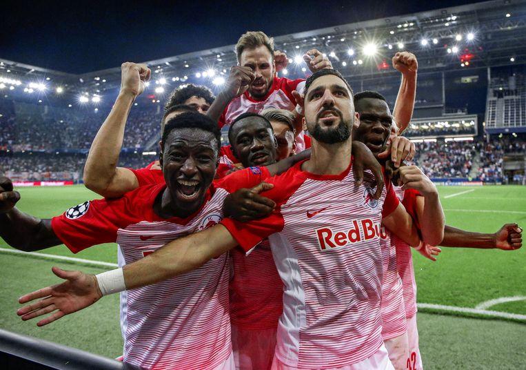 Vreugdekreten in de Red Bull Arena van Salzburg, de club waar in 2005 het voetbalverhaal van Red Bull op gang werd getrapt.  Beeld rv