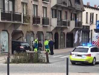 Bestuurder belandt met auto in inkomhal van appartement op de markt in Aalter na foute inschatting