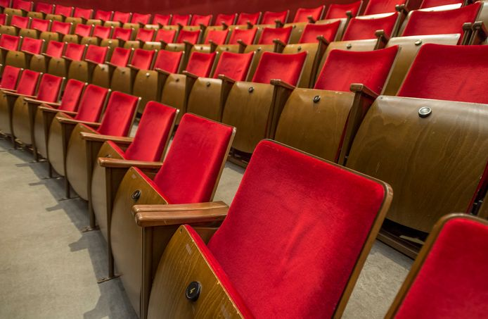 De theaterzaal van Koninklijk Theater Carre blijft voorlopig leeg.