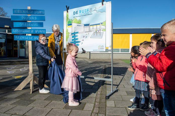 RAAMSDONKSVEER De officiële opening in maart van dit jaar van kindcentrum de Ruif, een samenvoeging van Trema kinderopvang en basisschool de Ruif.