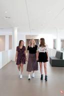 Julia Pronk (links), Paulien Veldhuis (midden, Suzan Elshof (rechts) maakten het beste profielwerkstuk van Overijssel.