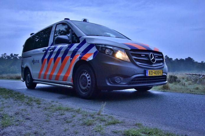 Een 28-jarige automobilist uit Waalwijk maakte het vrijdagnacht erg bont.