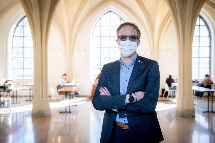 Rector Rik Van de Walle.