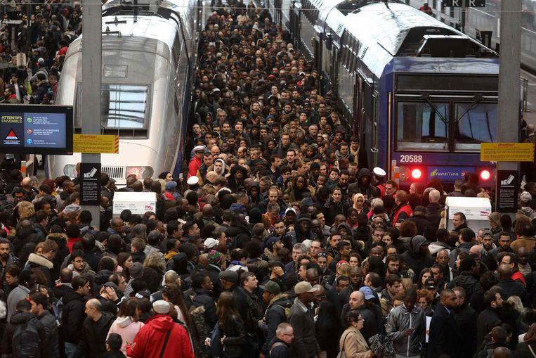 Donderdag kwamen al minstens 800.000 mensen op straat om te betogen tegen de geplande hervorming van de pensioenen.  Beeld AFP