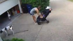 VIDEO. Mama draait zich even om en daar bengelt haar peuterdochtertje al aan de garagepoort