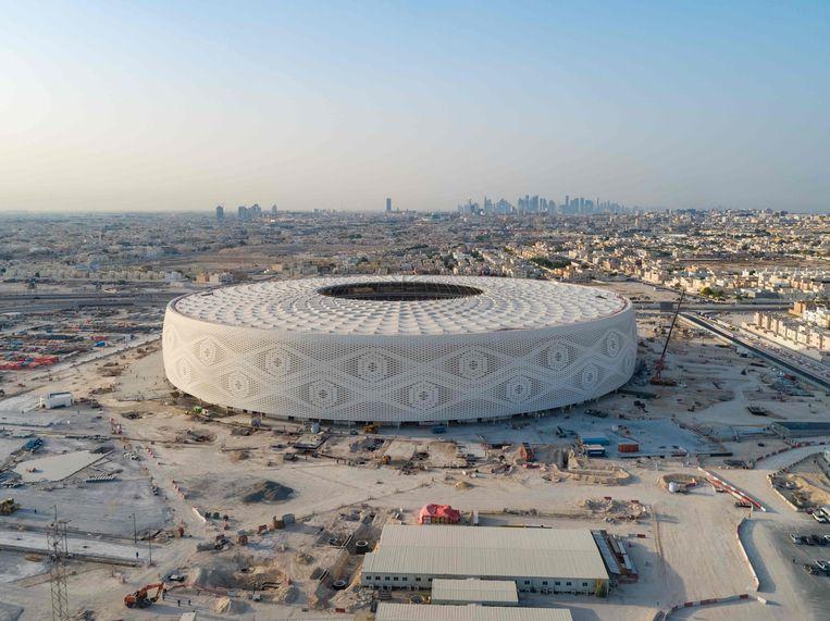 Bij de bouw van de stadions in Qatar voor het WK voetbal in 2022 vonden duizenden arbeidsmigranten de dood.  Beeld AFP